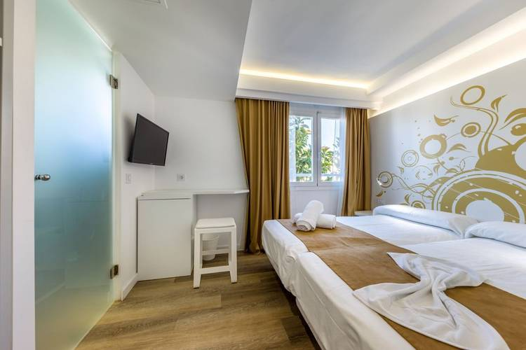 Standard double room triton beach - adults only hotel cala ratjada